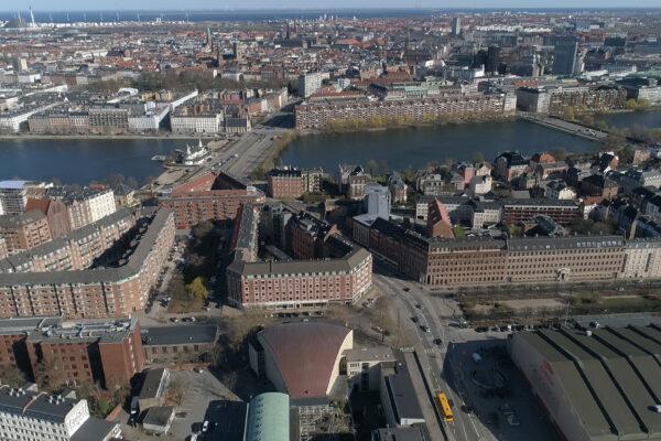 SEQ - Drone - Rosenørsalle 22 Radiohuset Kobbertag - 2019.03.31.00_12_12_41.Still004