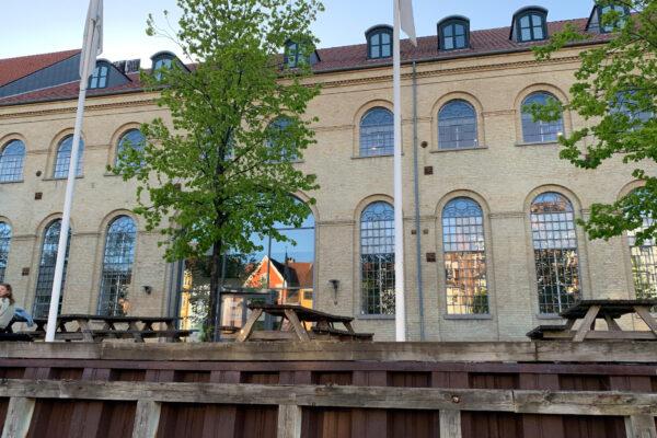 lauritz-hannibal-reference-overgadennedenvandet-galleri1