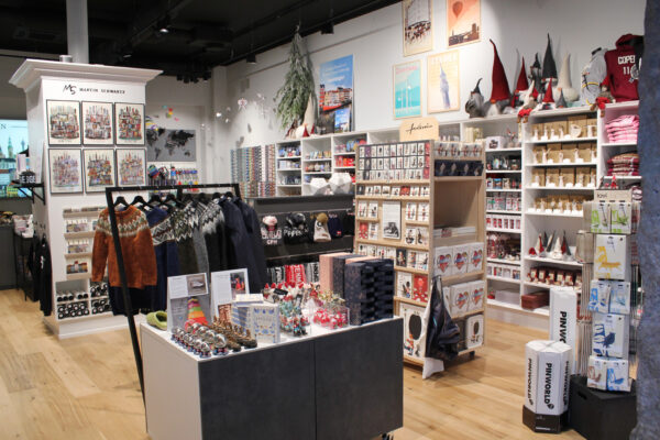 lauritz-hannibal-reference-souvenierbutik-galleri4