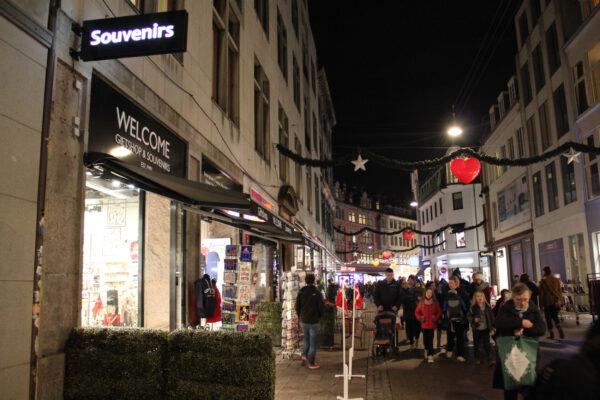lauritz-hannibal-reference-souvenierbutik-galleri5